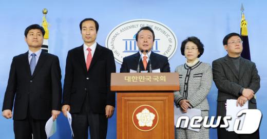 [사진]민선5기 목민관클럽 '5대요구안 발표'
