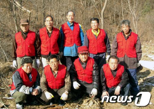 경북 봉화군 물야면 오전2리 마을 주민들이 자체 산불감시단을 조직, 관심을 모으고 있다./사진제공=봉화군청  News1