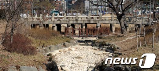 [사진]서울시, 수표교 원래 자리로 되돌린다
