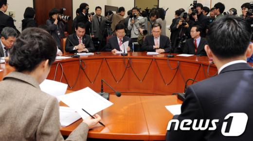[사진]새누리당 비상대책위원회