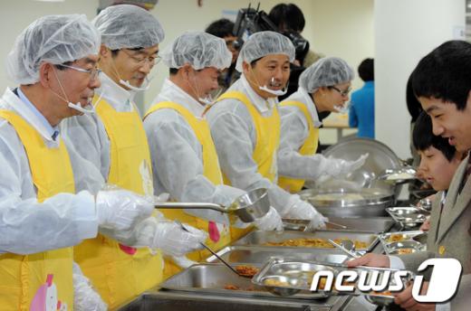 [사진]박원순-곽노현, 무상급식 현장점검
