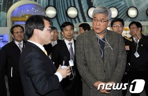 [사진]원자력발전본부 방문한 이기환 청장