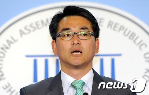 [사진]민주, 신임 대변인에 박용진·김유정