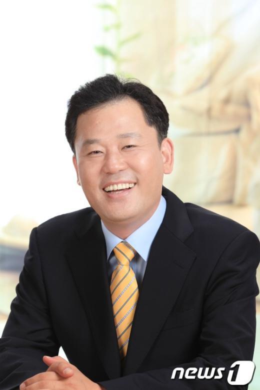 송갑석 광주 서구갑 무소속 후보.  News1