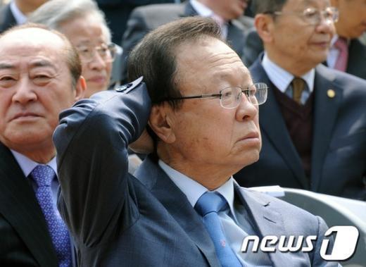 [사진]공식석상 모습 보인 박희태 전 의장