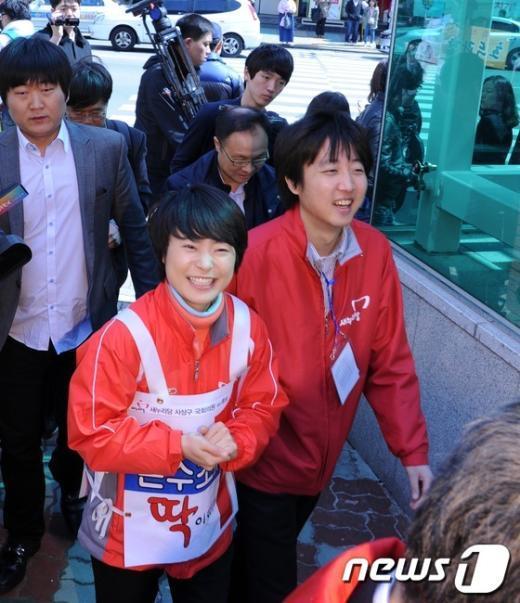 [사진]환하게 웃는 '동갑내기' 손수조와 이준석