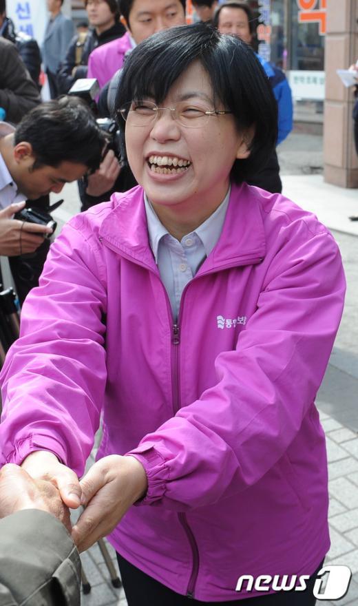 [사진]관악을 지원 나선 이정희 대표