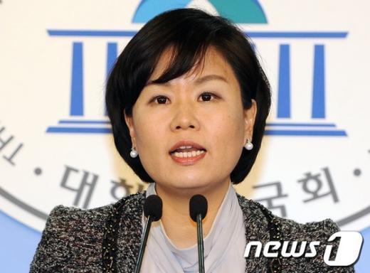 김유정 민주통합당 대변인.  News1 이종덕 기자