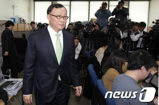 [사진]민간인 사찰 브리핑 하는  채동욱 대검 차장검사