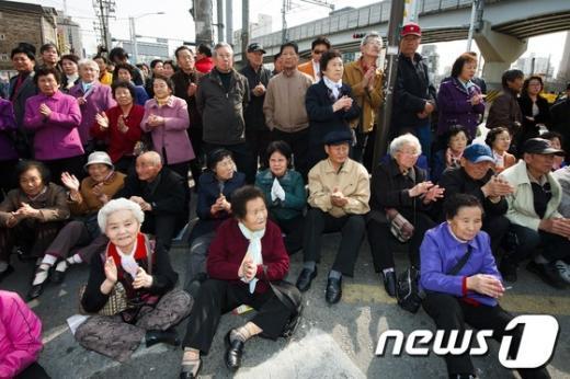 [사진]4.11 총선 D-10, '유권자들의 선택은?'