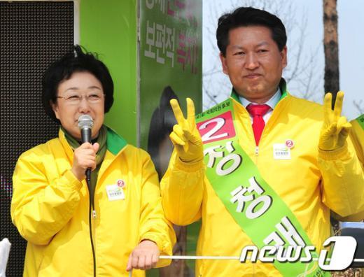 [사진]정청래 후보 지원유세 하는 한명숙