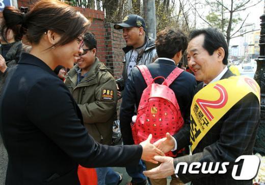 [사진]유권자 만나는 정세균 후보