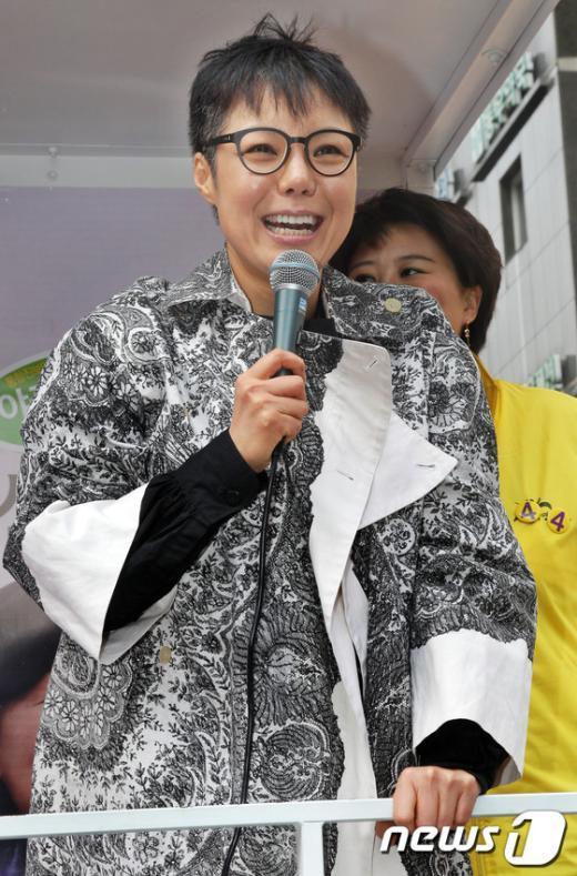 [사진]이은미, '심상정 후보 지지 해 주세요!'