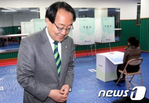 [사진]투표 마친 이계안 후보