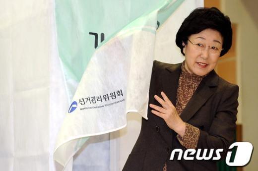 [사진]기표 마친 한명숙 대표