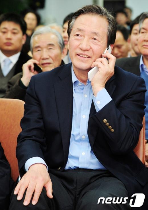 [사진]정몽준 후보 접전에 '긴장'