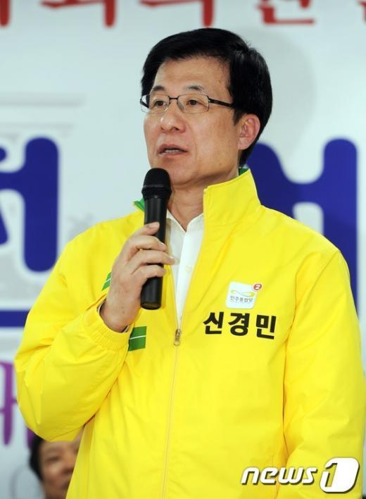 신경민 민주통합당 서울 영등포을 당선자  News1 이정선 인턴기자