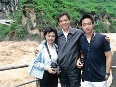 보시라이와 부인 구카이라이, 아들 보과과  News1