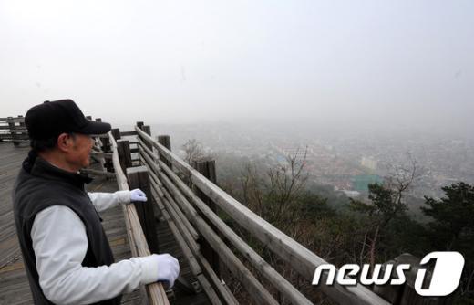 [사진]짙은 안개에 가려진 서울 도심