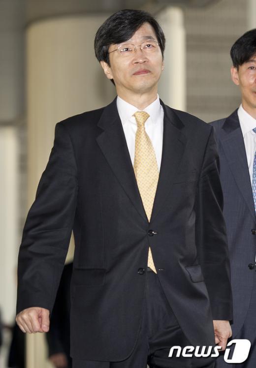 [사진]항소심 공판 출석하는 곽노현 교육감