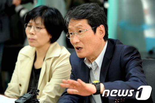 [사진]민주통합당 문성근 대표 대행,KBS새노조 방문