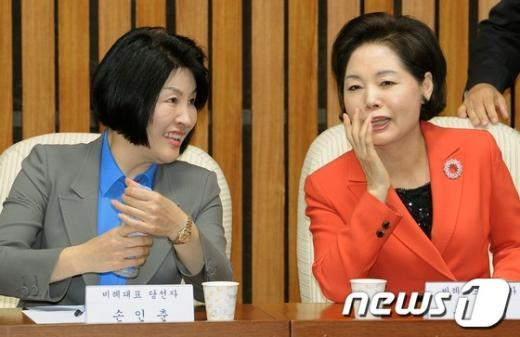 [사진]새누리당 비례대표 당선자들의 미소