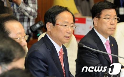 [사진]이주영 정책위의장 모두발언