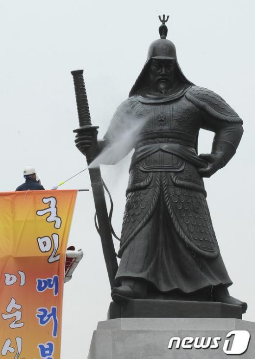 [사진]서울시-아산시, 이순신장군 탄신일 맞아 친수식 개최