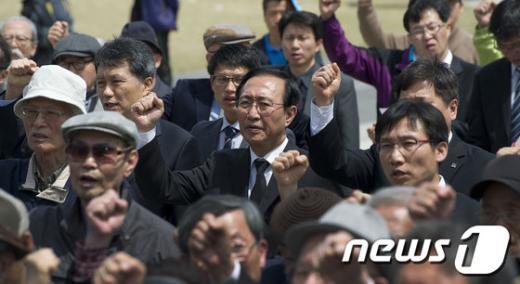 [사진]민중의례하는 통합진보당