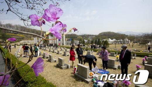 [사진]꽃피는 4월에 사라진 민주열사