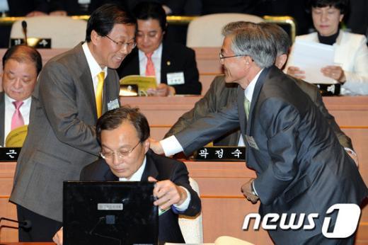 [사진]문재인 '바쁘다 바빠'