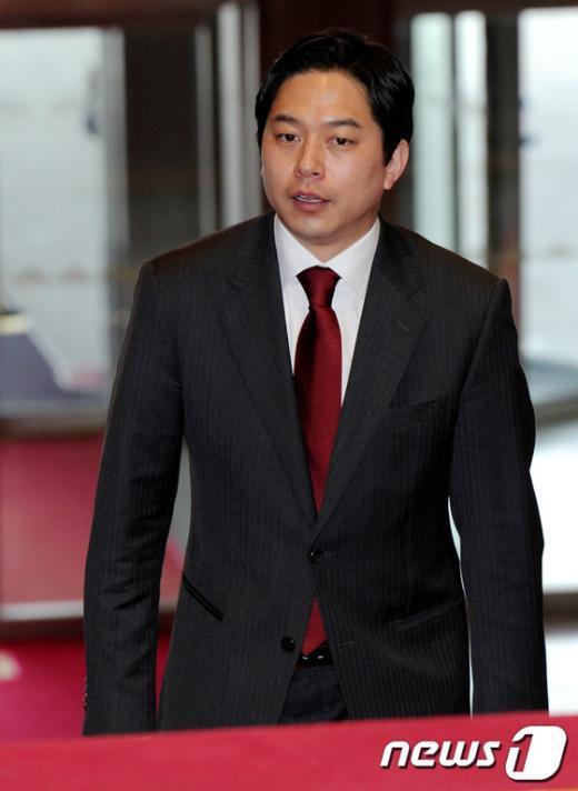 [사진]당선자대회 참석하는 정호준