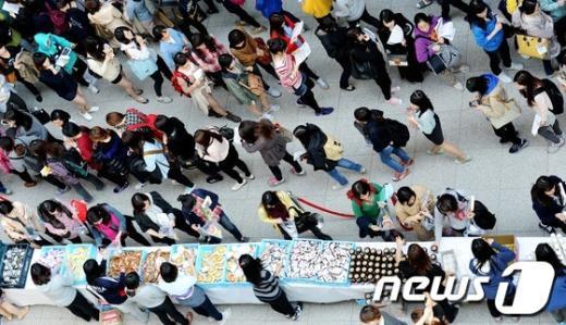 [사진]이화여대 중간고사 '진풍경'