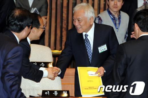 [사진]당선자 대회 참석한 김한길