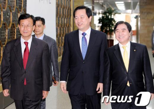 [사진]김두관, 민주 정치개혁모임 초청간담회 참석