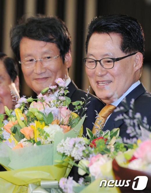 [사진]민주통합당 박지원 신임 원내대표 선출