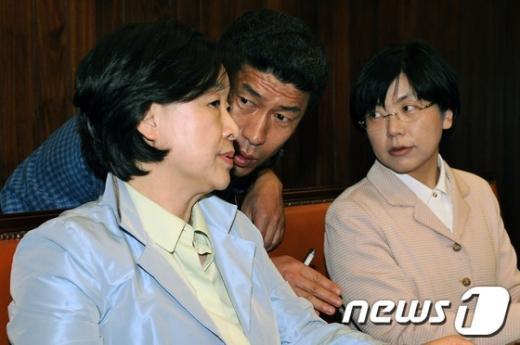 [사진]논의하는 심상정·이정희 공동대표