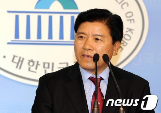 [사진]김경안, 새누리당 전당대회 출마 선언
