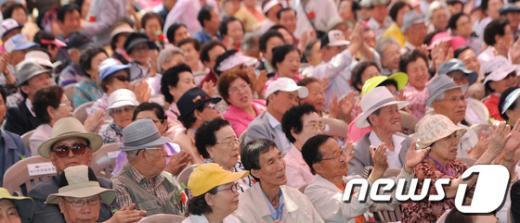 [사진]어버이날 맞은 '어르신 축제'
