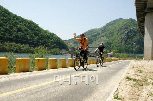 ▲ 이 길은 남양주 운길산역에서 시작하는 북한강 자전거길과 연결된다