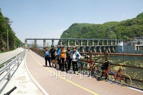 ▲ 의암댐 자전거길