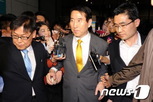 [사진]귀가하는 조현오 전 경찰청장