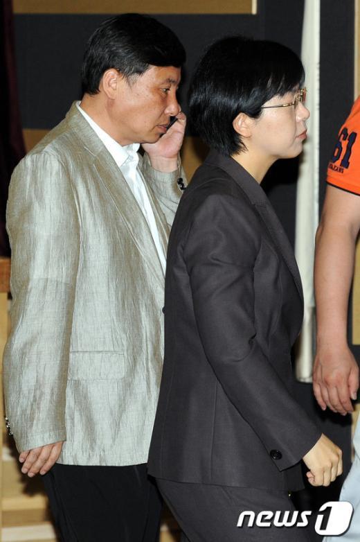 [사진]회의장 나서는 이정희-조준호 공동대표