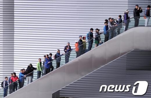 [사진]줄선 관람객