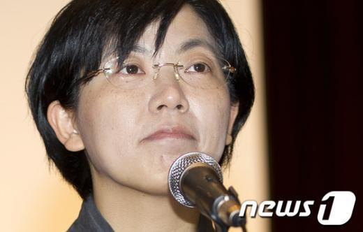 [사진]사퇴의사 밝히는 이정희 대표