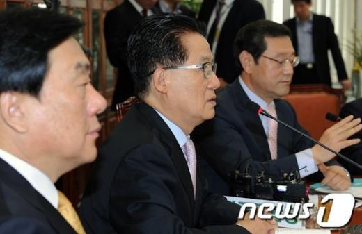 [사진]박지원 비대위원장, 민생공약실천특위 주재