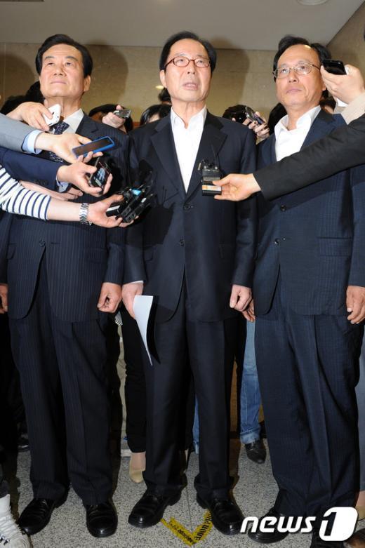 [사진]기자회견 마친 전직 민노당 당대표 3인