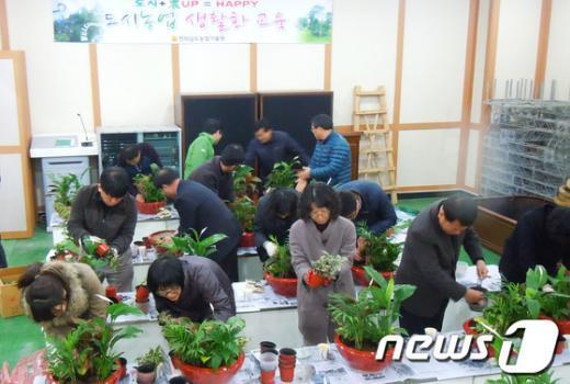 지난해 열린 생활원예경진대회 모습/사진제공 전남농업기술원 News1