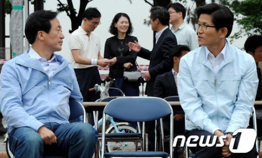 [사진]얘기 나누는 정몽준-김문수