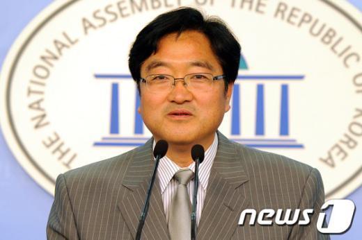 민주통합당 우원식 원내대변인  News1 이광호 기자